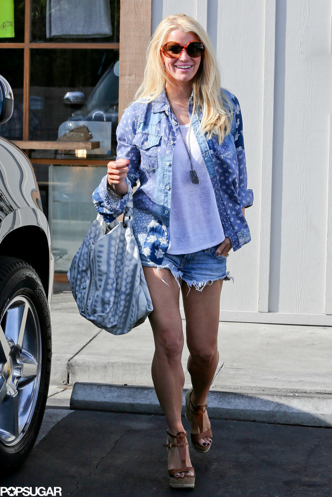 Jessica-Simpson-Shows-Off-Her-Legs-Jean-Shorts-Pictures